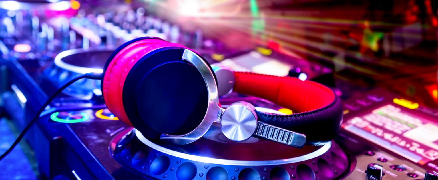 dj hire all events and parties including school balls with the best sound and lighitng equipment.jpg